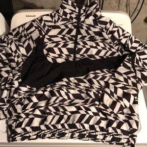 Nike Big Swoosh Half Zip Packable Windbreaker Sz M